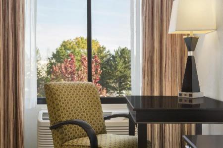 עיצוב הפנים Hampton Inn Portland Airport