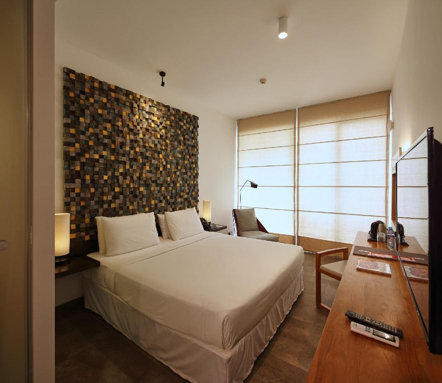 Deluxe Double or Twin - City View - Bed ME Colombo