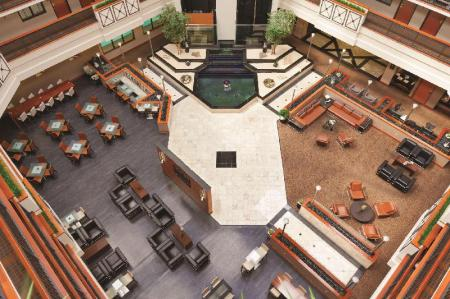 Hol Embassy Suites Louisville