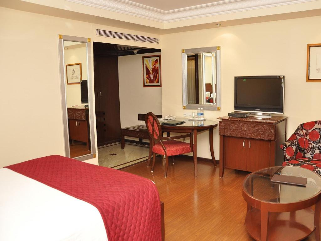 Executive Room - Guestroom Quality Inn Sabari Hotel