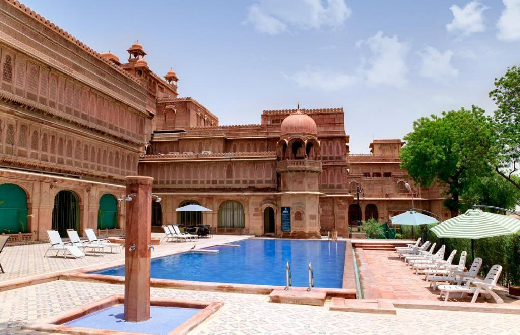 Swimming pool [outdoor] The Laxmi Niwas Palace