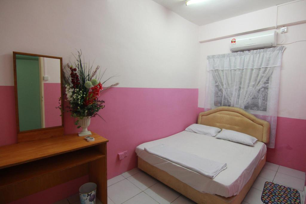 See all 6 photos Borneo Seaview Budget & Backpackers Hotel