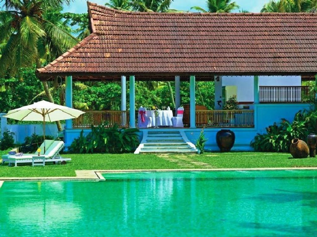 Swimming pool [outdoor] Kumarakom Lake Resort