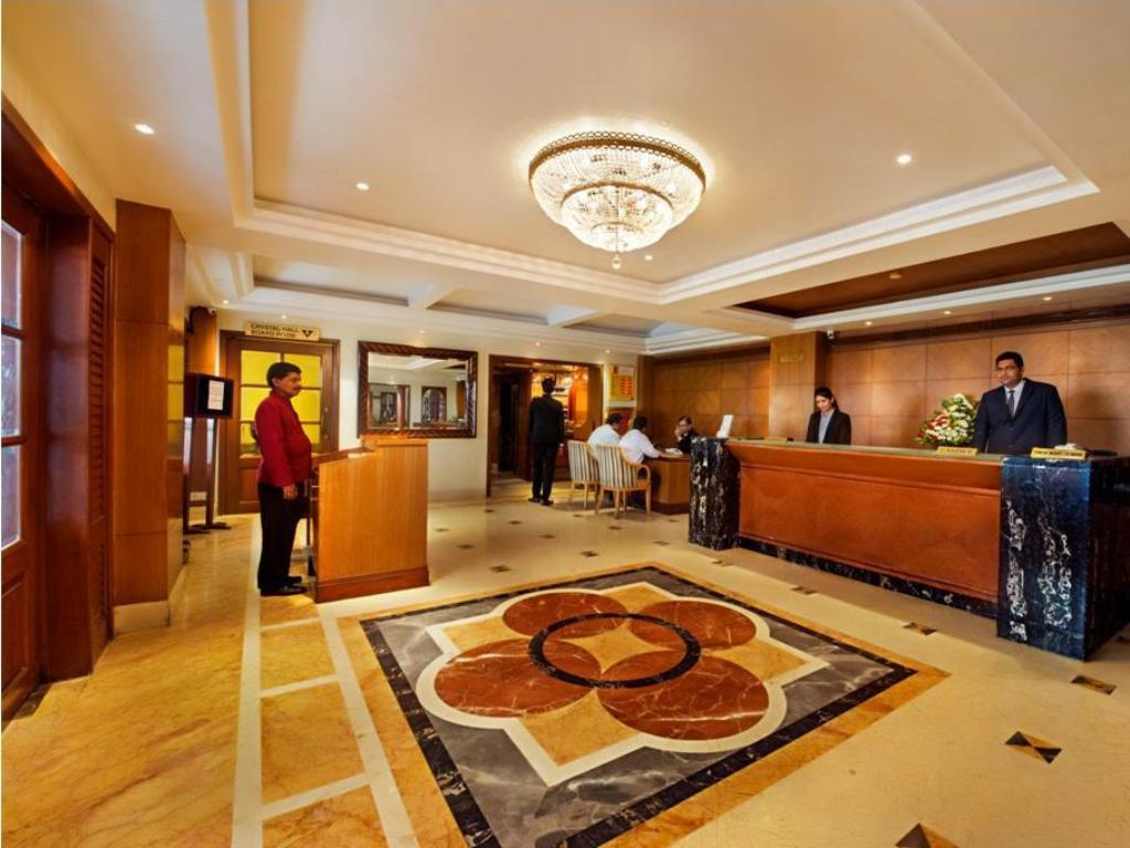 Lobby Hotel Parle International