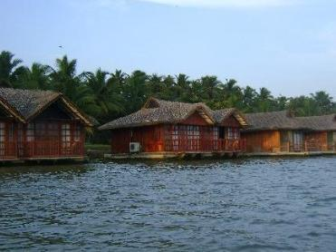 Flytande Stugor (Floating Cottages)