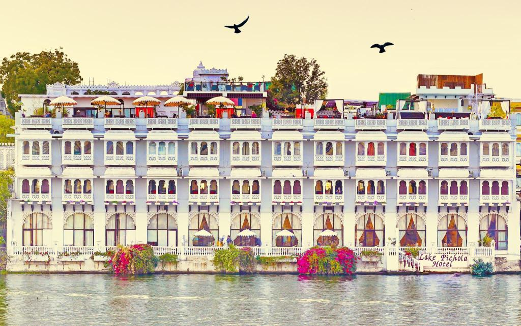 More about Lake Pichola Hotel