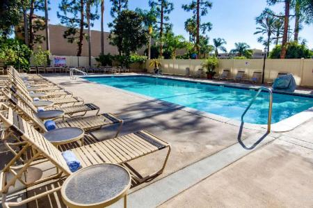 Swimming pool [outdoor] Clarion Hotel Anaheim Resort