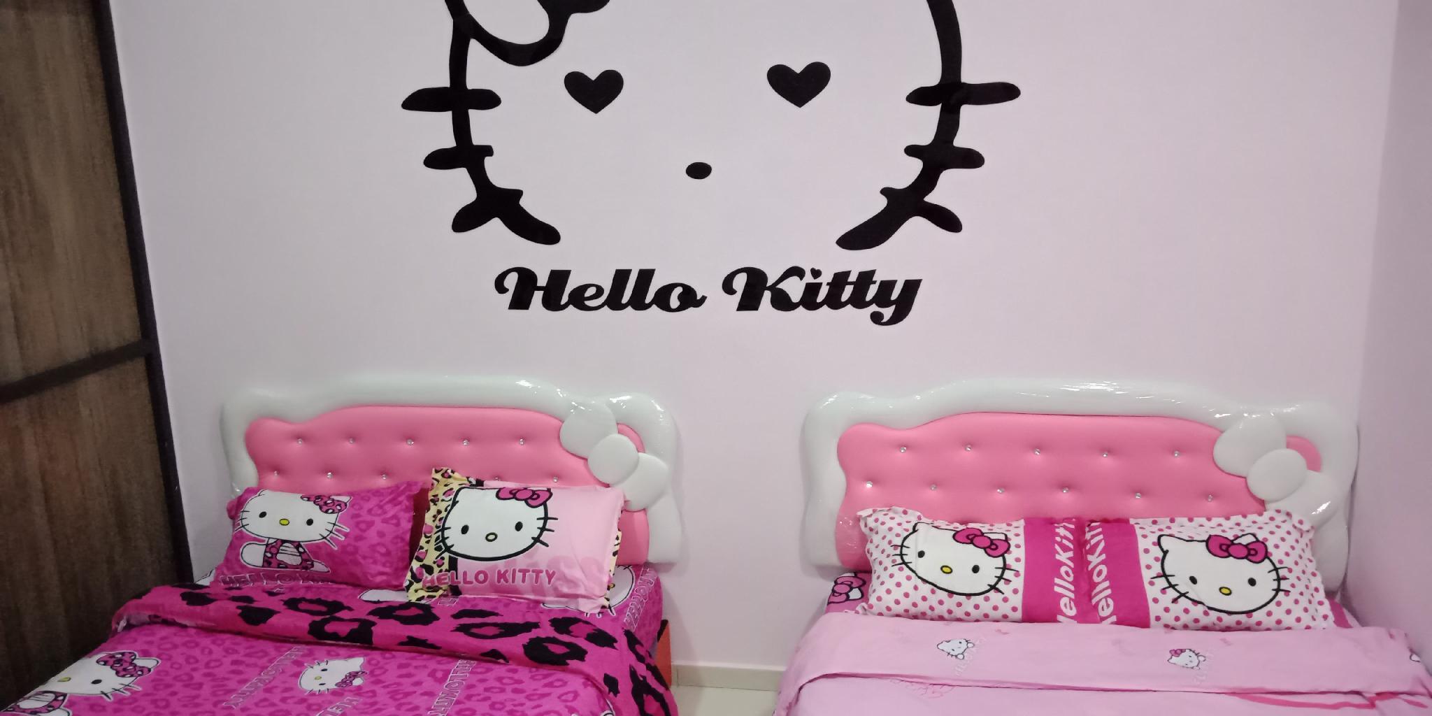 hello kitty säng