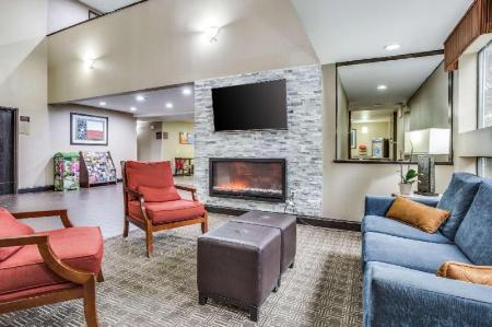 Hol Comfort Inn and Suites Love Field-Dallas Market Center