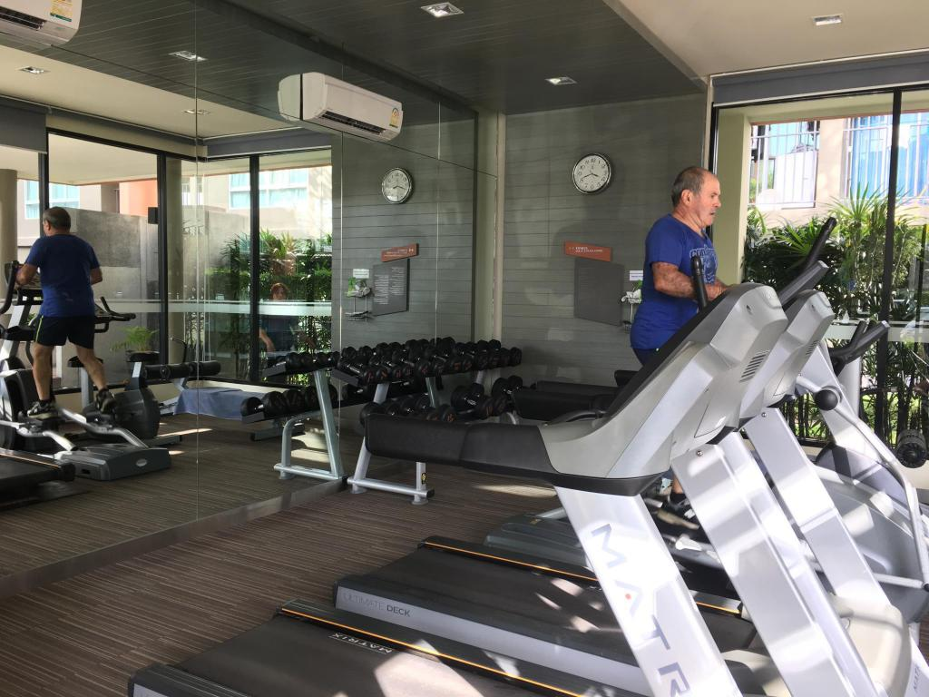 Fitnessraum modern  Das Modern studio condo at Kathu in Phuket buchen
