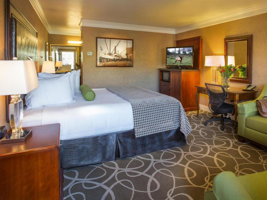 1 King Bed  Best Western Plus Humboldt Bay Inn