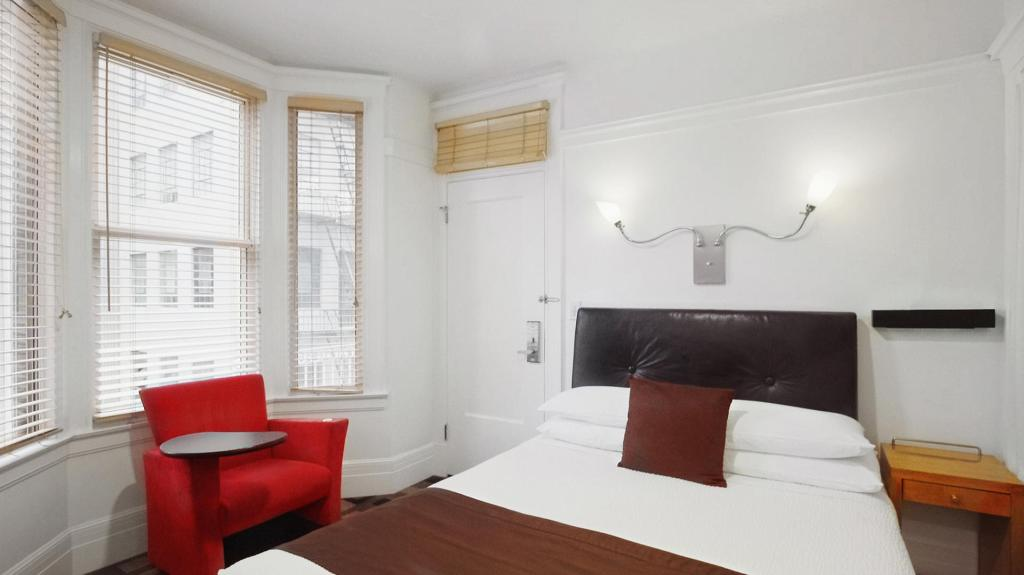 Deluxe Double Room - Bed The Mosser Hotel