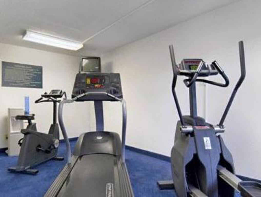 Fitness center Red Roof Inn San Antonio - Lackland