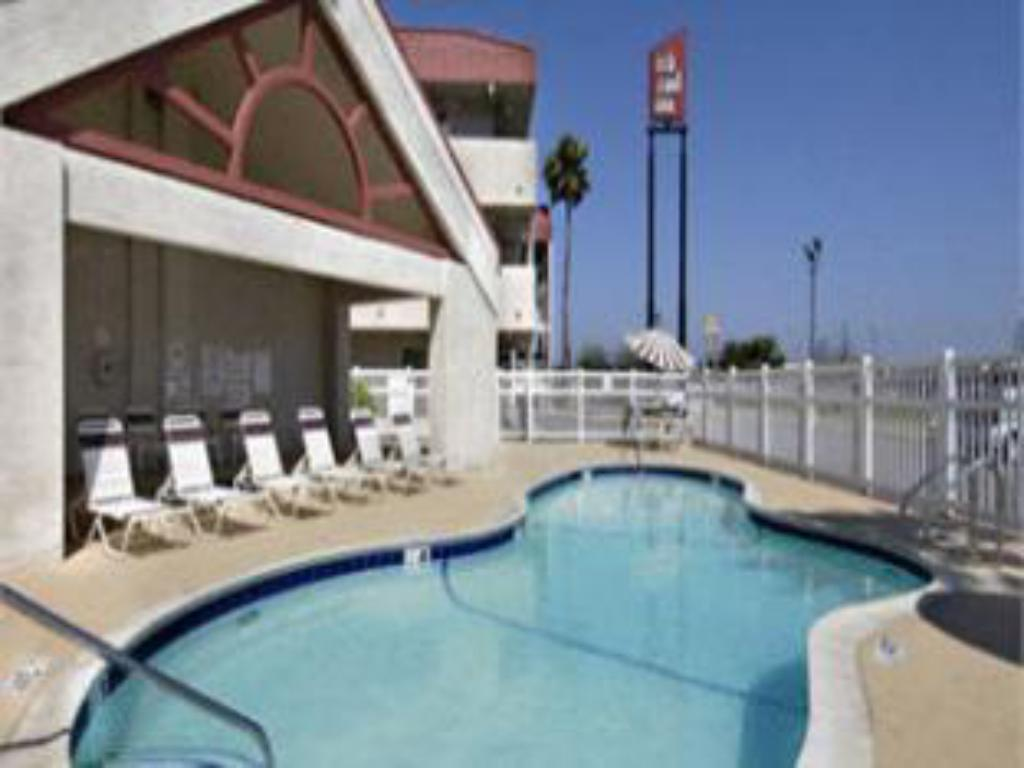 Peldbaseins Motel 6 Brownsville North