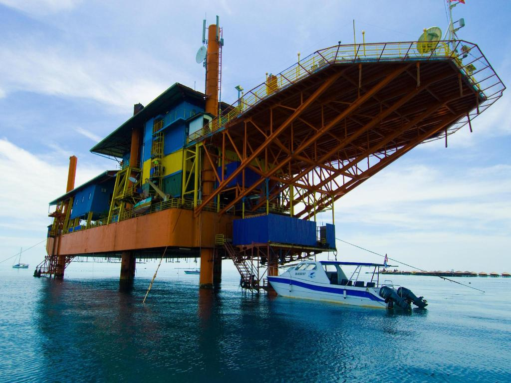 More about Seaventures Dive Rig Resort