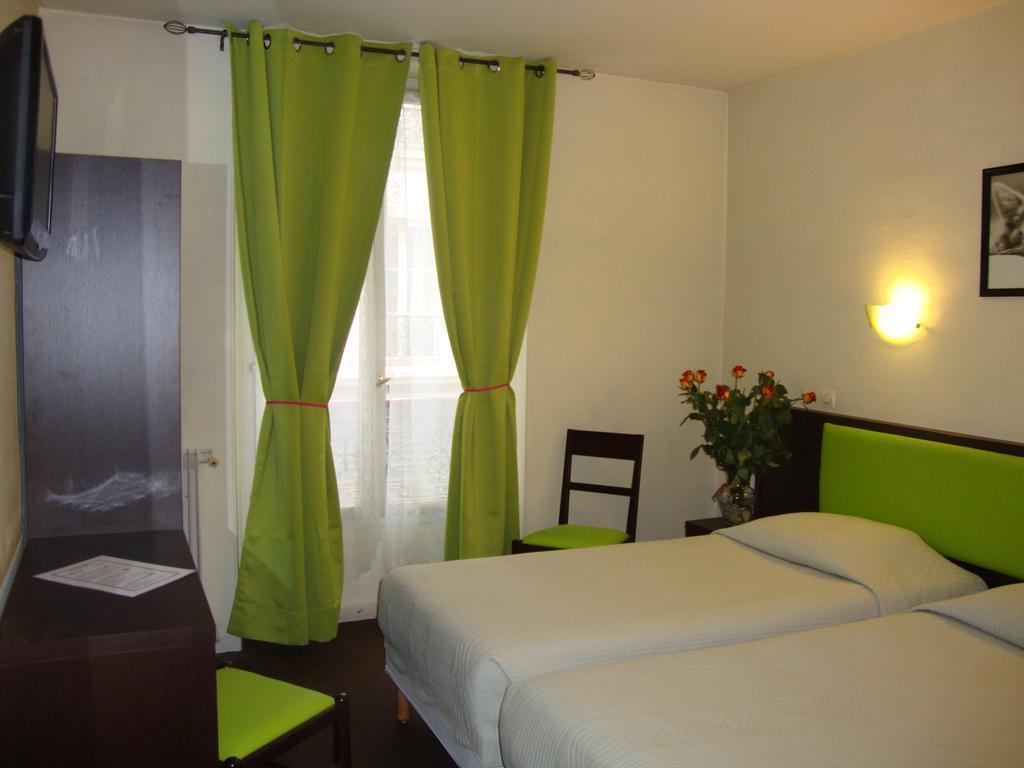 Best Price on Hotel de Belfort in Paris Reviews