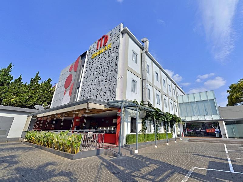 zodiak at sutami hotel in bandung room deals photos reviews rh agoda com