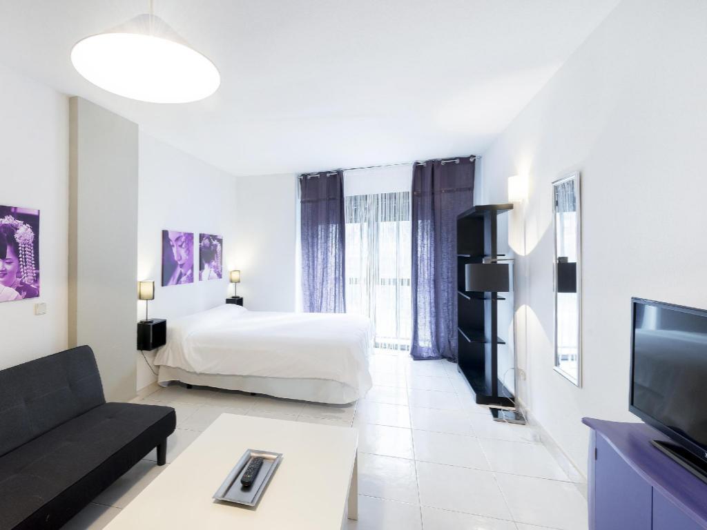 Woo Travelling Plaza De Oriente Homtel In Madrid Room