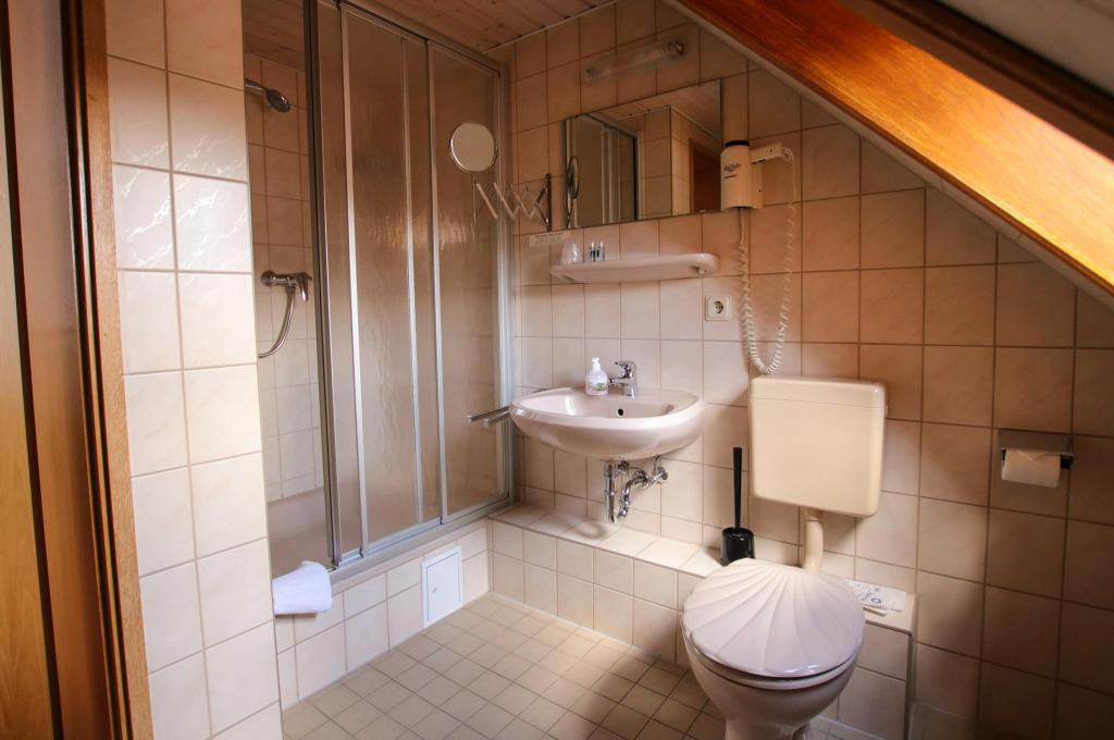 Bathroom Restaurant & Hotel Druidenstein