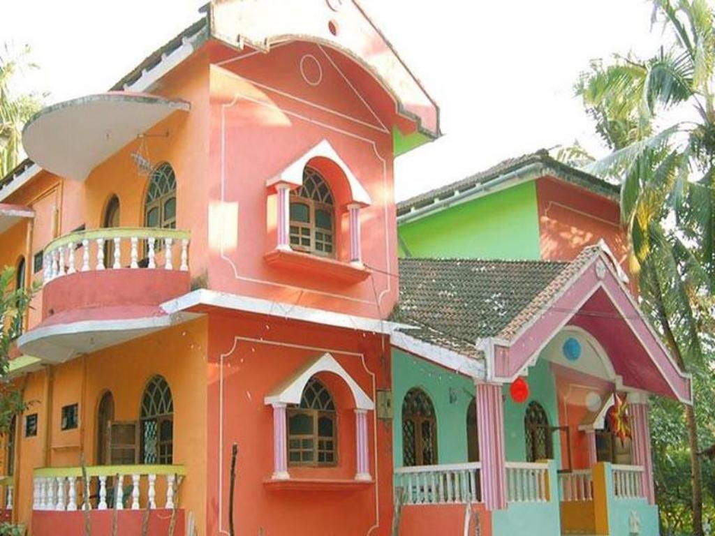 Mayelle guest house in goa room deals photos reviews - Guest house in goa with swimming pool ...