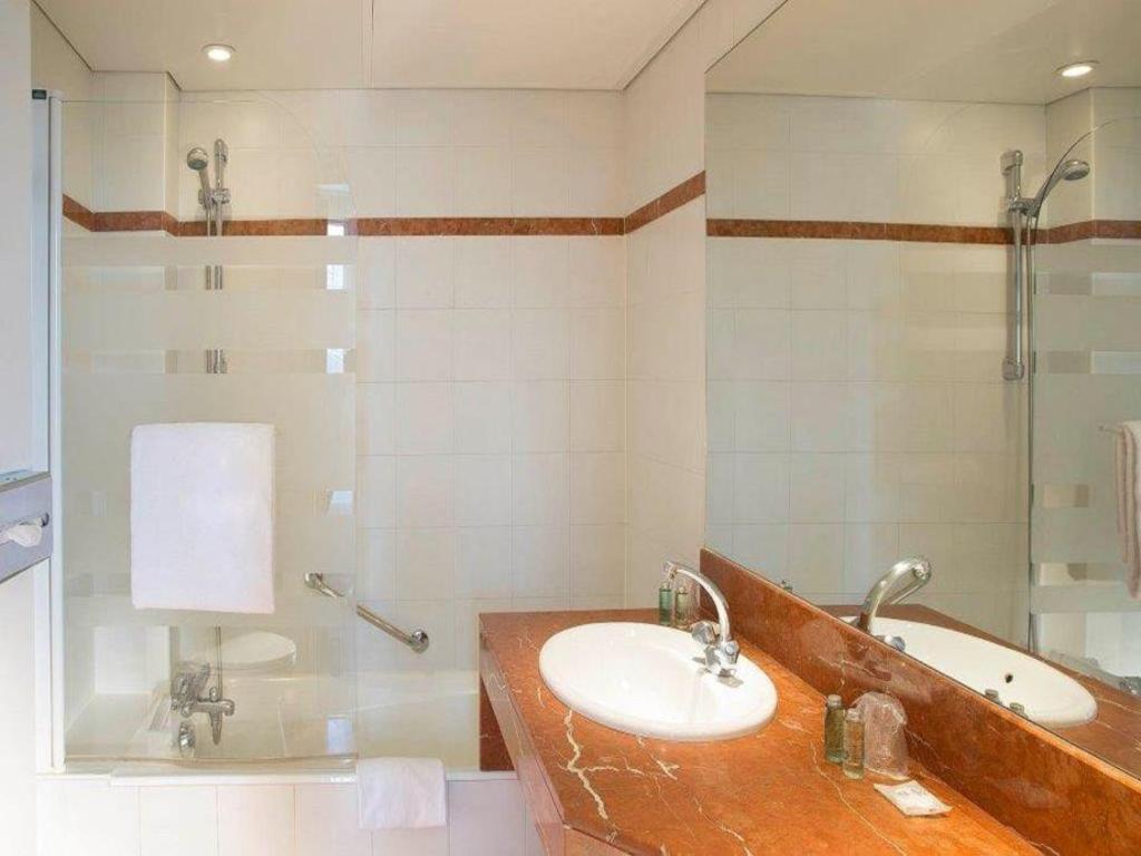 Hotel Relais Bosquet Best Price On Hotel Eiffel Turenne In Paris Reviews