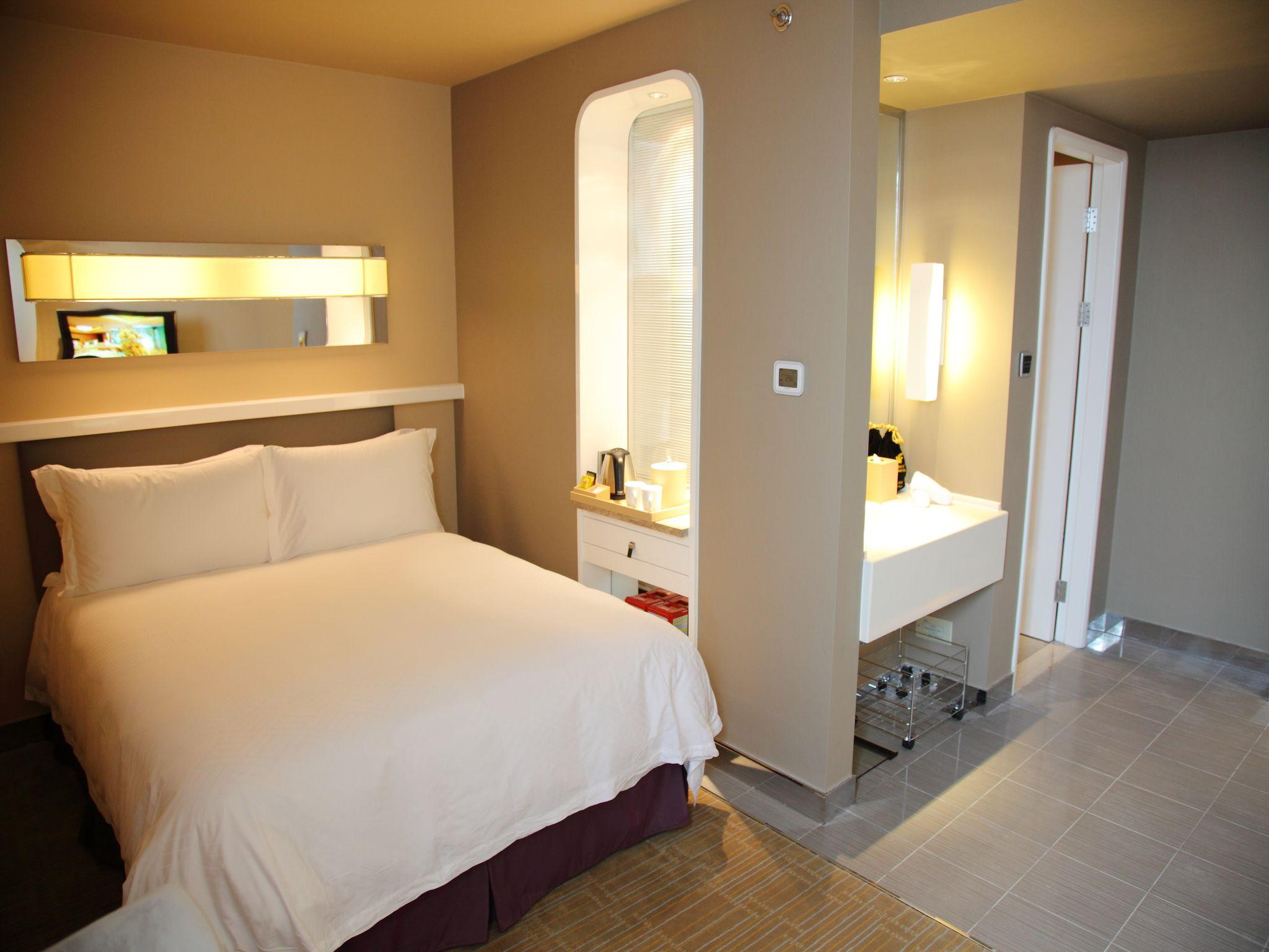 Flash Deal - Deluxe Twin Room