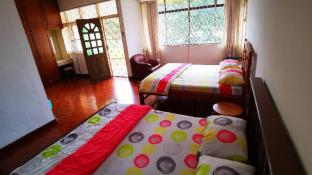 LPM Double Room With Balcony 4pax Attach bathroom