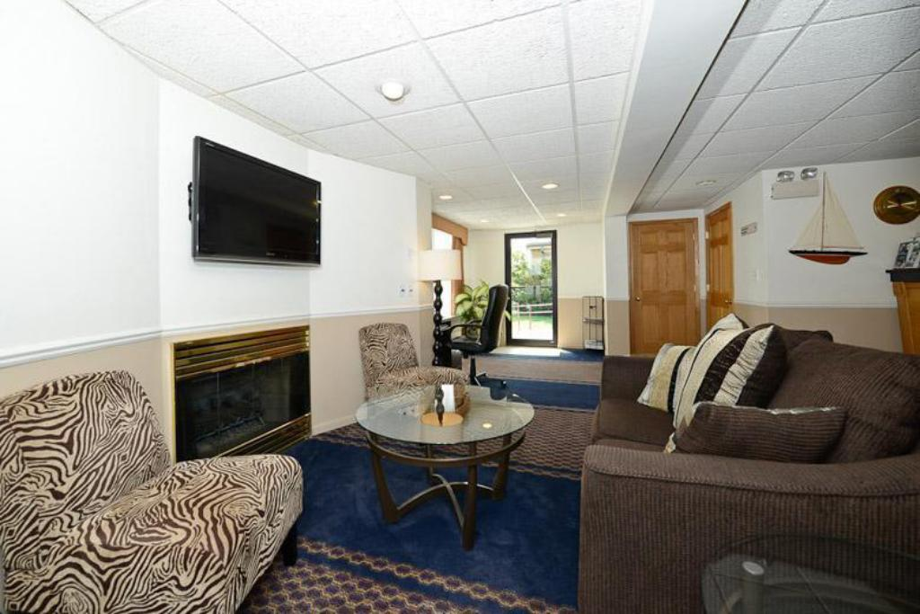 Lobby Americas Best Value Inn Petoskey