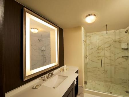1 Bedroom Hearing Accessible Roll In Shower Non-Smoking - Baie La Concha Hotel & Spa