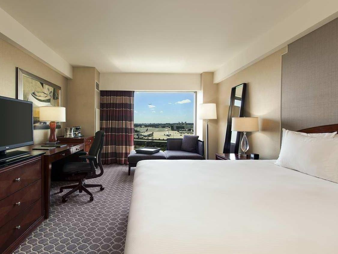 best price on hilton boston logan airport hotel in boston. Black Bedroom Furniture Sets. Home Design Ideas