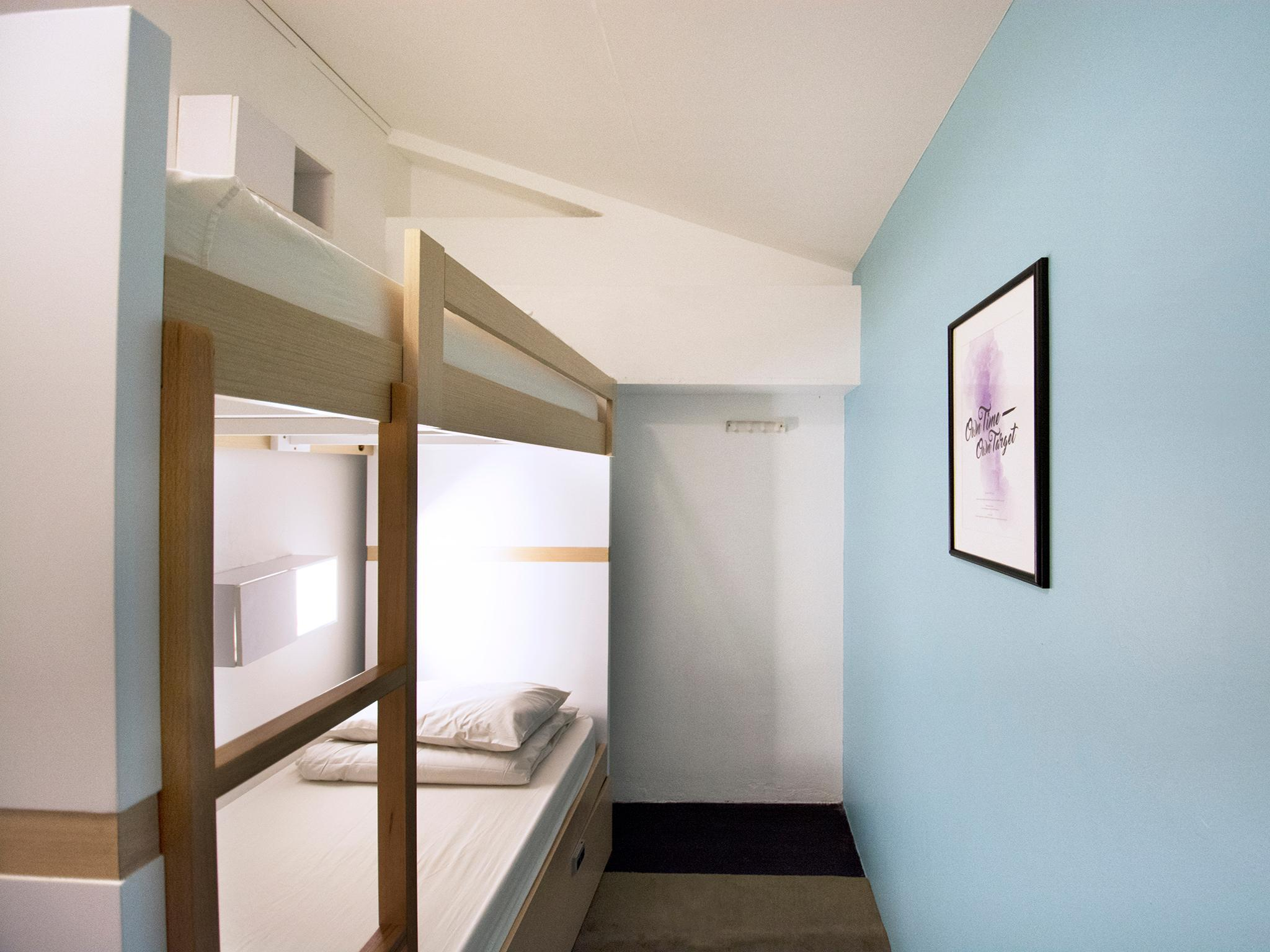 Single Bed in Female Twin Room