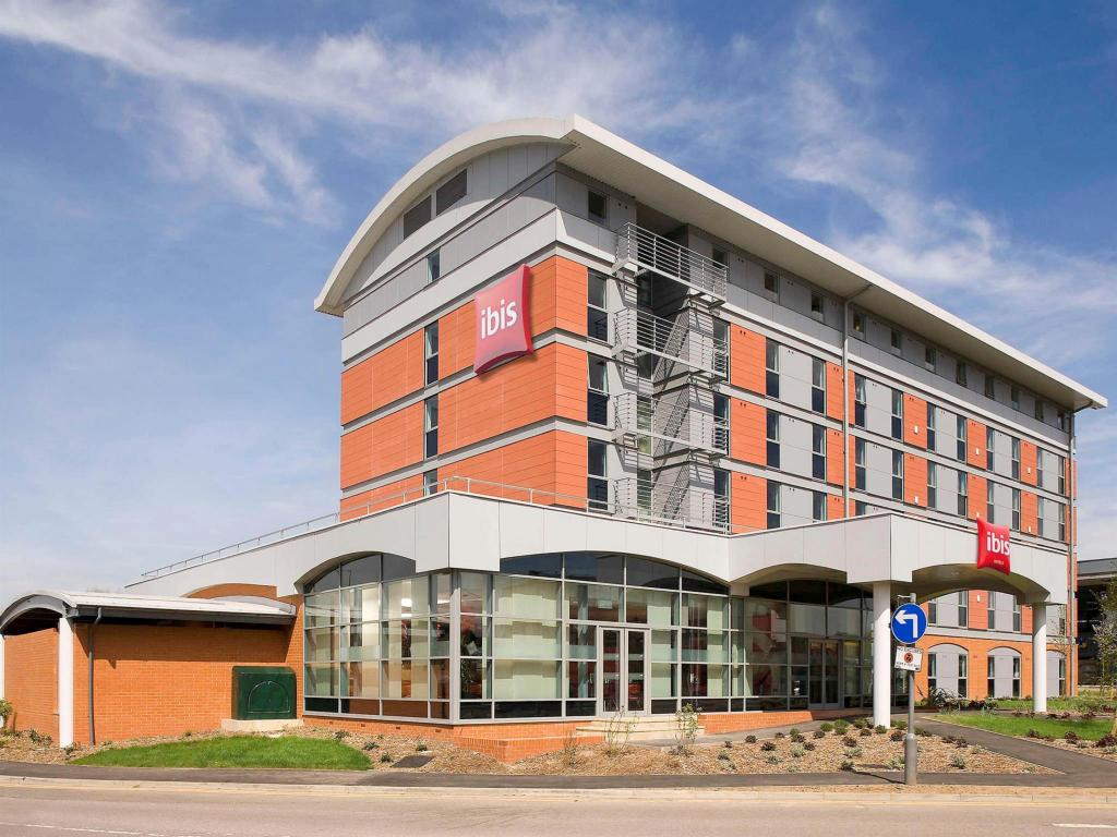 More About Ibis Borehamwood Hotel