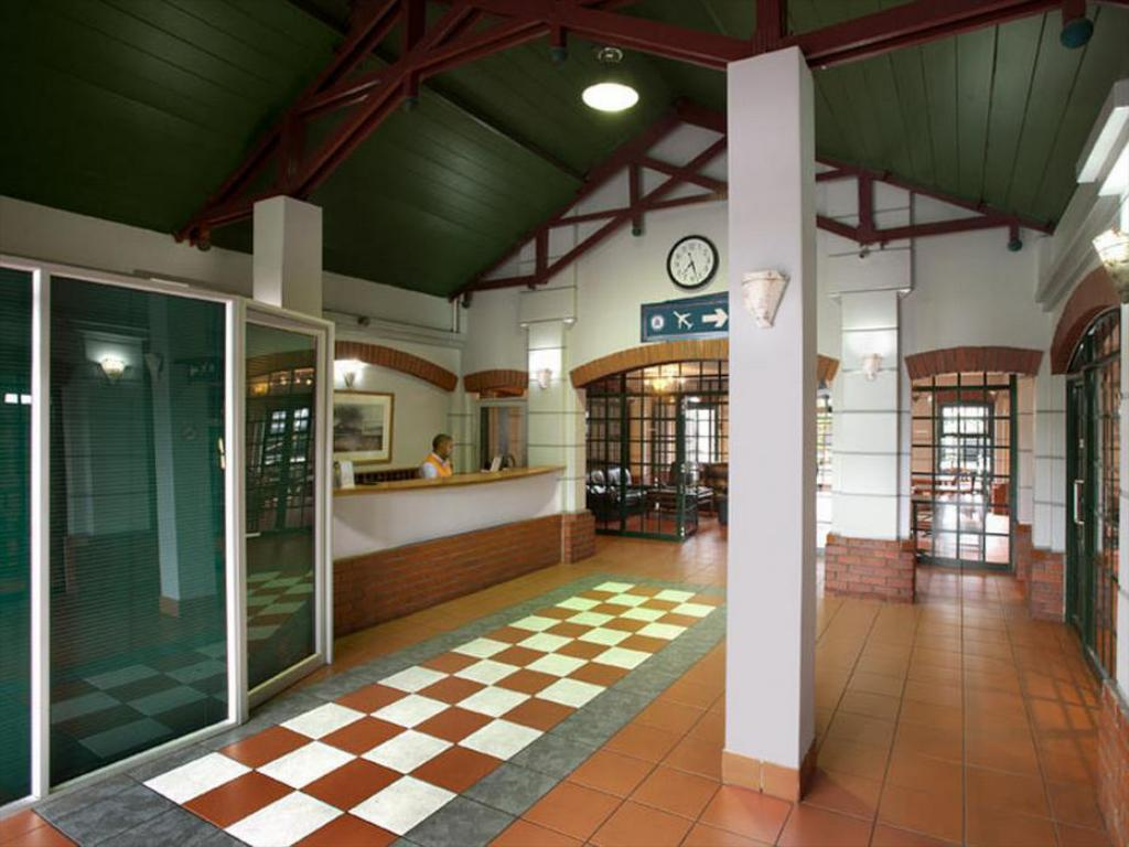Lobby Train Lodge