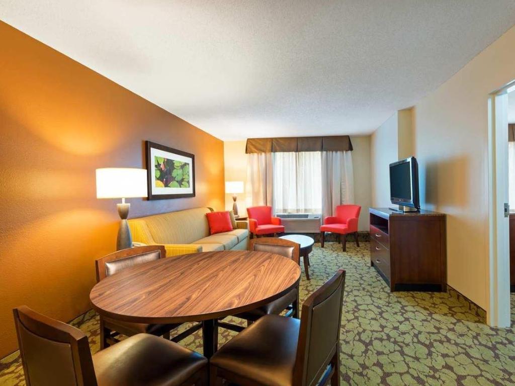 Hilton Garden Inn Orlando Seaworld In Orlando Fl Room Deals Photos Reviews