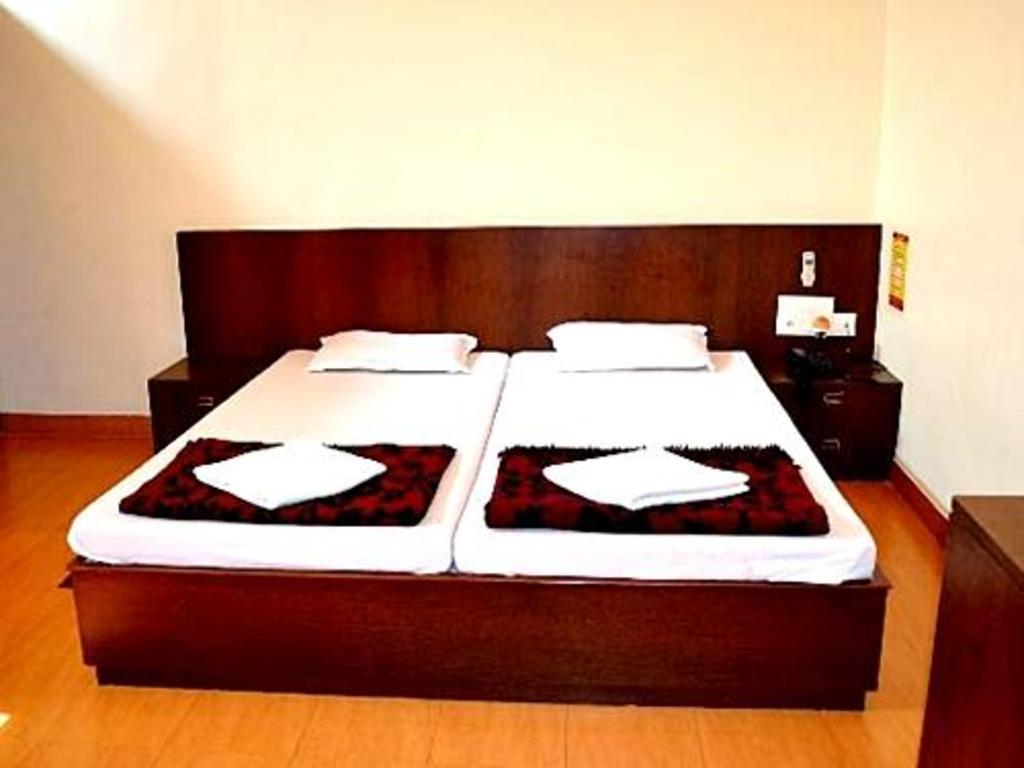 ホテル クスム (Hotel Kusum)|...