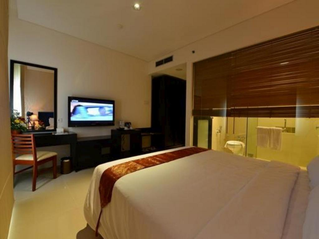 Superior Non-Smoking - Guestroom Emilia Hotel By Amazing - Palembang