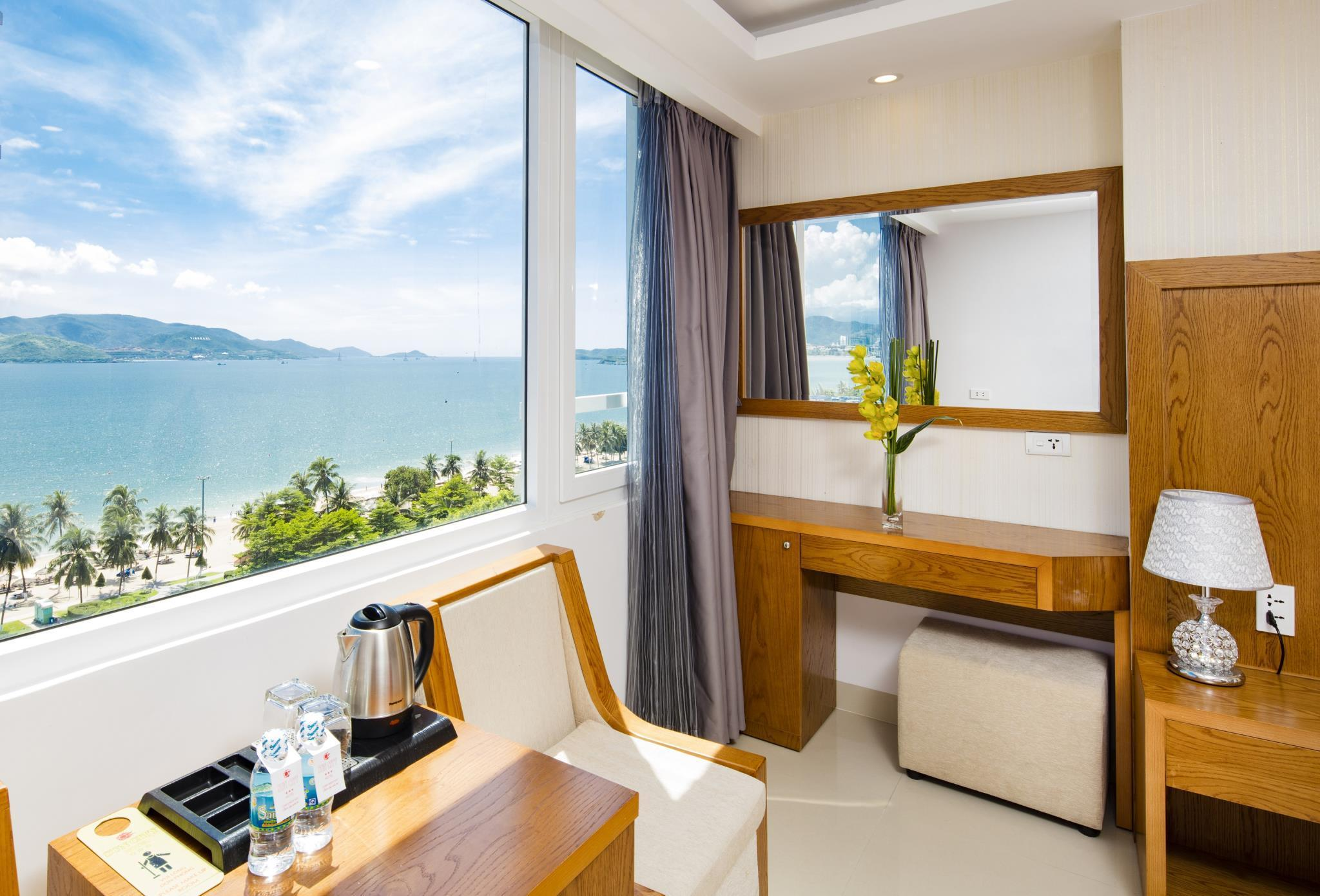 Deluxe Hướng biển giường đôi (Deluxe Sea View Double Bed)