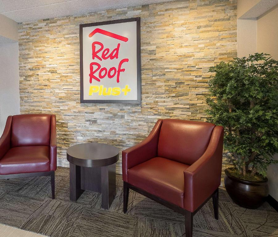 Vestíbulo Red Roof Inn Boston - Framingham (Red Roof PLUS+ Boston - Framingham)