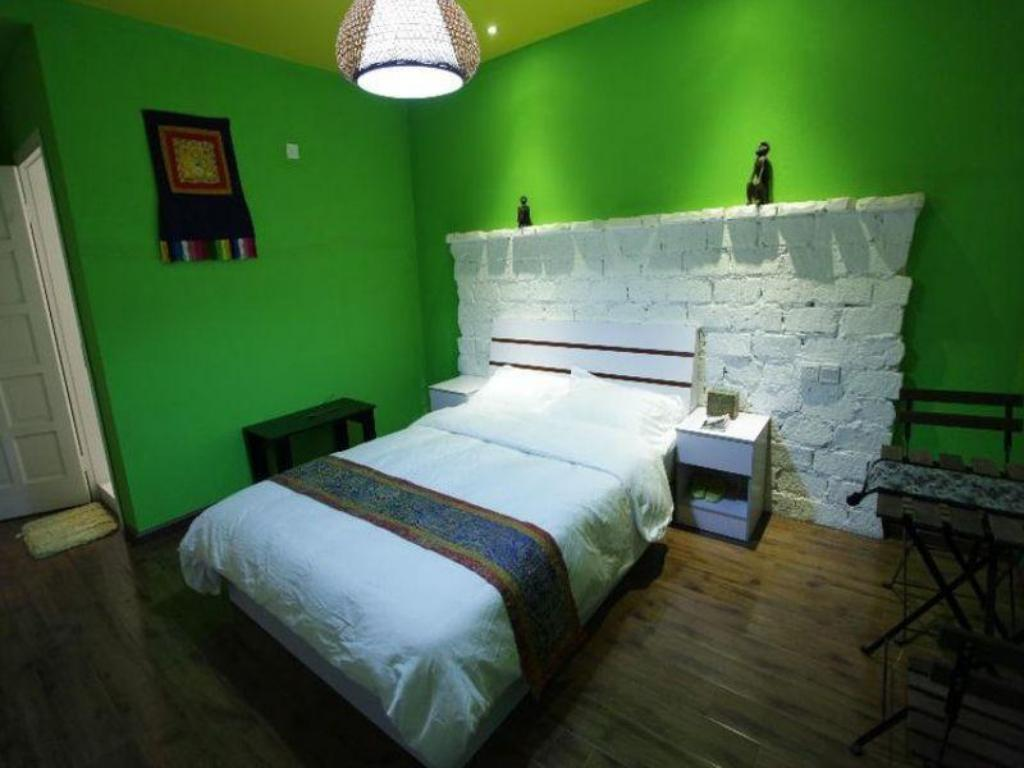 Single Room- Domestic residents only - Bed Lhasa Shelter Inn