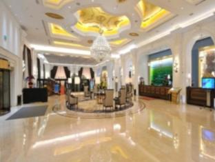 Hohhot Pinnacle Hotel
