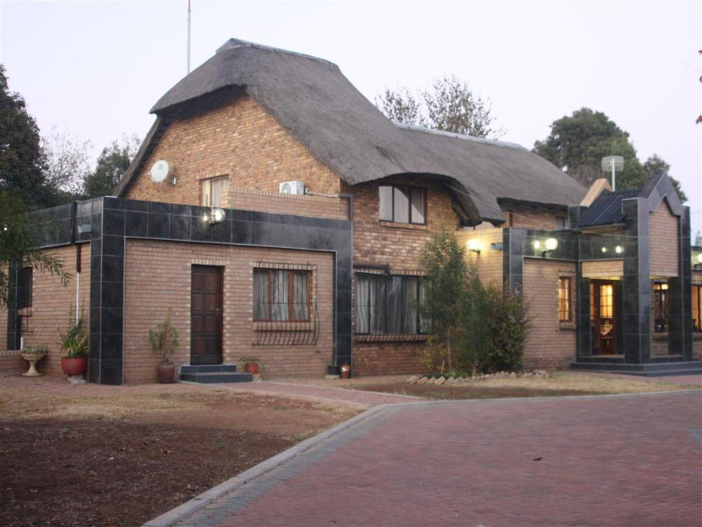 Global Village Guesthouse Midrand