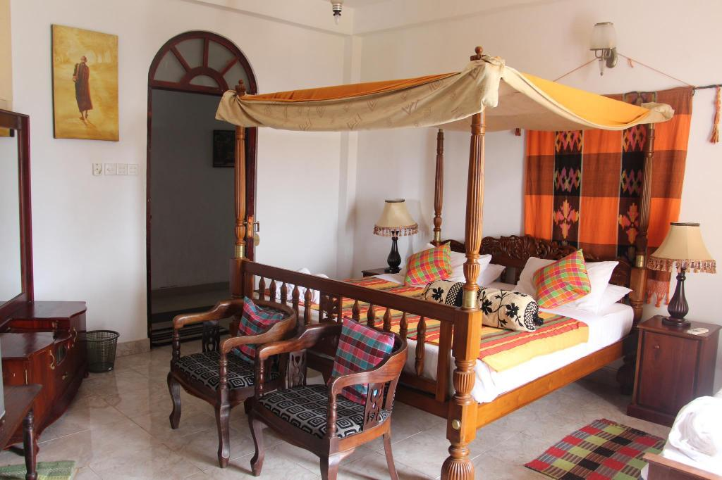 Standard - Best Rate - Bed The Richmond House Kandy