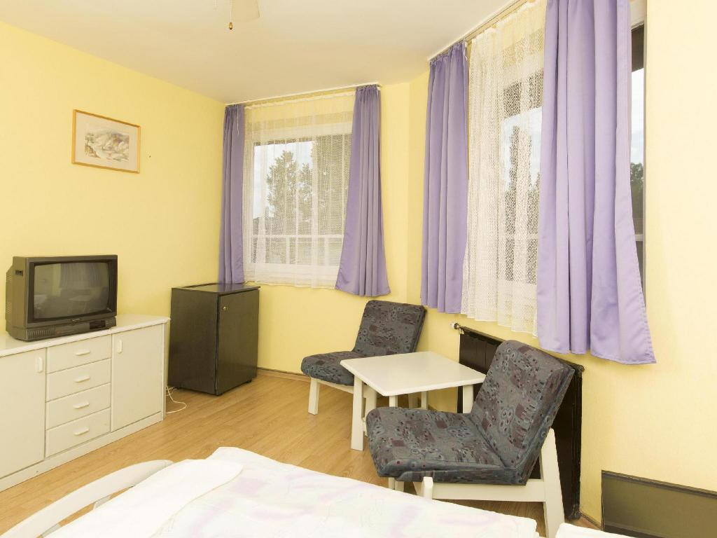 Double Room - 1 or 2 Beds Hotel Francoise