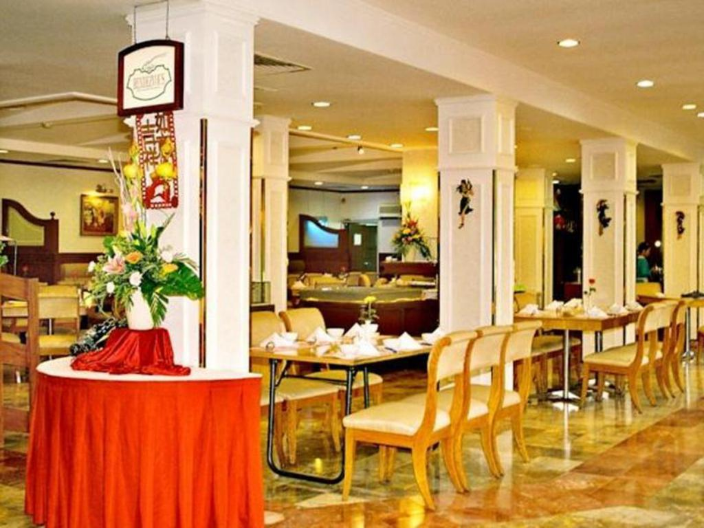 Interior view Capital Garden Hotel Hanoi