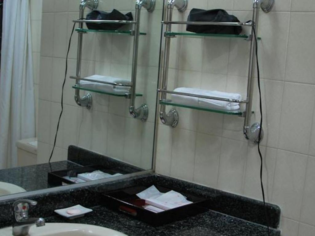 Bathroom Capital Garden Hotel Hanoi