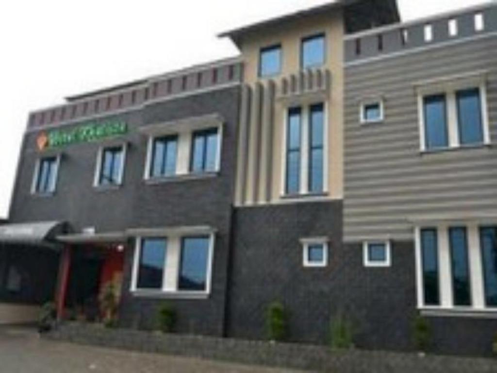 Best Price On Hotel Khalista In Purwakarta Reviews