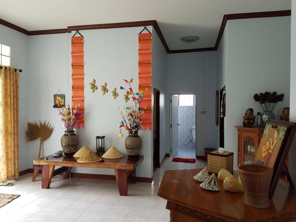 Das Haus (3200 m²), 2 Schlafzimmer und 1 eigene Badezimmer in Bang ...