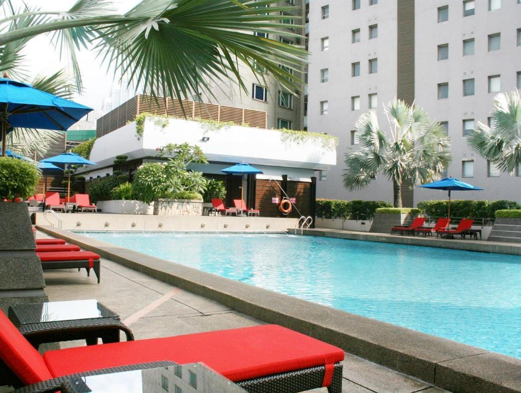 Parkroyal kuala lumpur in malaysia room deals photos - Homestay in kuala lumpur with swimming pool ...