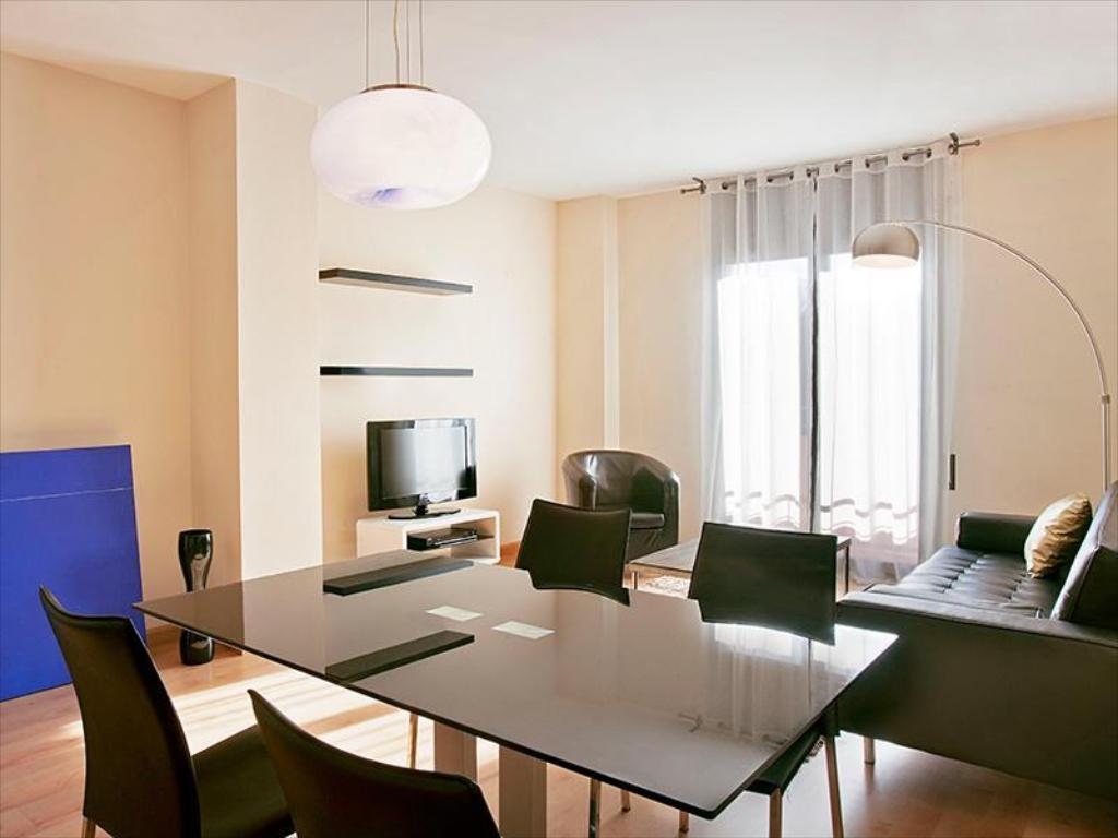 Barcelona Apartment Villarroel, Barcellona | Da 160 ...