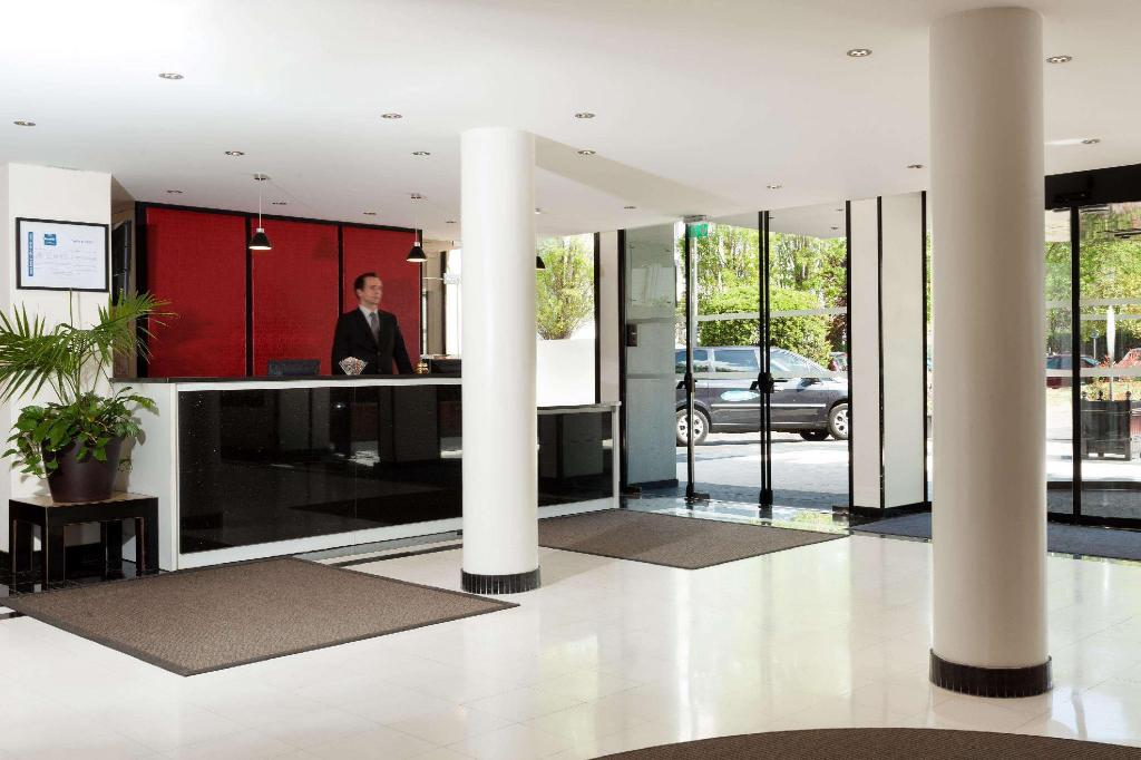 Lobby Forest Hill Paris Meudon-Velizy Hotel